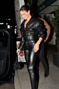 Shanina Shaik seen at Madeos in Beverly Hills Leather Pants Outfit, Leather Jumpsuit, Faux Leather Pants, Leather Dresses, Black Leather, Lederhosen Outfit, Shanina Shaik, Leder Outfits, Mode Blog