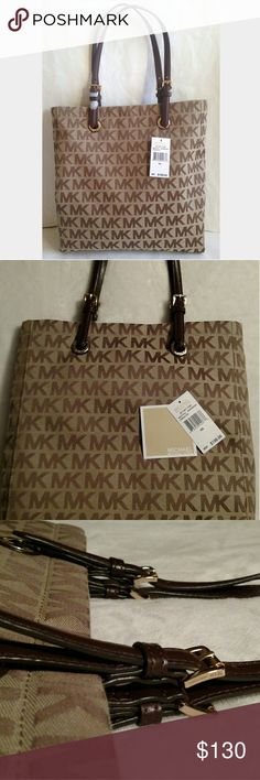 Michael Kors bag Beautiful casual NS Jet set tote, match it with a pair of blue jeans for a better casual look. Feel free to make an offer. Michael Kors Bags Totes