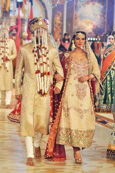 Ali Xeeshan Collection at Pantene Bridal Couture Week 2013 Day 2 Asian Bridal Wear, Pakistani Bridal Wear, Indian Bridal, Couture Mode, Couture Week, Couture Fashion, Indian Wedding Fashion, Bridal Fashion, Indian Fashion