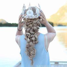 Need that sea shell crown ASAP lol @aurorabraids