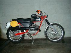 1973 ZUNDAPP 125 GS DirtBike Enduro Motorcycle, Moto Bike, Motorcycle Art, Vintage Bikes, Vintage Motorcycles, Cars And Motorcycles, Retro Bikes, Mechanical Art, Vintage Motocross