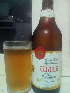 No geral, diria que é uma mistura de diferente e comum numa mesma bebida, uma Pilsen que parece comum, e é, mas ao mesmo tempo é diferente, algo pra saborear com certa tranquilidade e ver que mesmo um tipo de cerveja tão comum pode ter características um tanto diferente.  #cerveja #pilsen #wäls  Site Oficial: http://www.wals.com.br/cervejas/bohemian-pilsener/bohemia-pilsen — bebendo Wäls Bohemia Pilsen.
