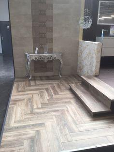 Cerdomus Stage Pointe à St. Florentin - F Tile Floor, Tiles, Stage, Flooring, Bathroom, Room Tiles, Washroom, Tile, Full Bath