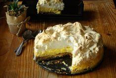 În acest articol veți găsi o rețetă de tarta de lămâie cu bezea. Rețetă de desert delicios, o răcoritoare tartă cu lămâie, blat de biscuiți, crema de lapte condensat cu lămâie și crustă crocantă de bezea. Biscuit, Cheesecake, Goodies, Pie, Sweets, Baking, Healthy, Desserts, Cooking Ideas