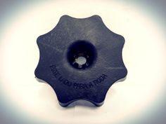 Tuerca para fijación de caucho de repuesto para Volkswagen SAVEIRO 2003 a 2010. http://articulo.mercadolibre.com.ve/MLV-418123000-5x7803899-tuerca-rueda-repuesto-vw-saveiro-_JM
