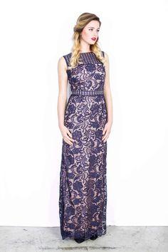 Jurken Huren. Adrianna Papell. Brittlebush. Maxi dress. No sleeves. High neckline. Black tie. White tie. Lace dress