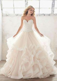 LaFamme esküvői ruhaszalon
