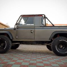 Land Rover Pick Up, Land Rover Defender Pickup, Defender 90, 4x4 Trucks, Cool Trucks, Automobile, Land Rover Series 3, Badass Jeep, Jeep Suv