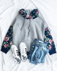 Warm up with $33.99 Only! Free shipping&easy return! This floral sweatshirt is detailed with printed hoodie&front pocket! So cozy&chic at Cupshe.com