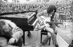 Neil Young & Gretsch Wyite Falcon-1971