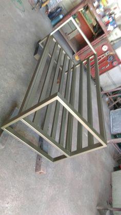 Mueble de hierrominimalista