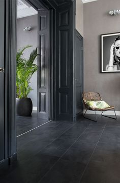 48 Easy Shower Design Ideas For Small Bathroom Black Slate Floor, Grey Floor Tiles, Dark Tile Floors, Slate Flooring, Living Room Flooring, Home Living Room, Tiled Hallway, Flur Design, Dark Interiors
