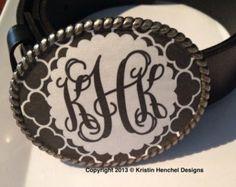 Monogram enamel belt buckle - Black and White Quatrefoil with scallop frame script monogram