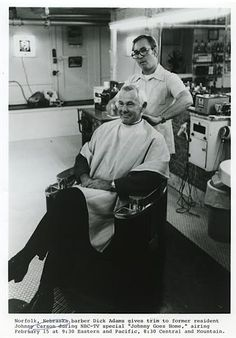 """Johnny Carson visits barber Dick Adams in his hometown of Norfolk, Nebraska. """"Johnny Goes Home"""" aired February 15, 1982, on NBC."""