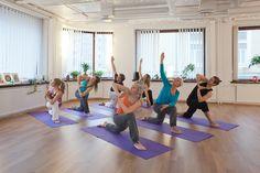 Mielenrauhaa, tasapainoa ja rentoutta – jooga toimii!  Tampereen monipuolisin joogakoulu Om Yoga on toiminut jo kymmenen vuoden ajan. #tampere #rakastampere #jooga #omyoga #joogakoulu