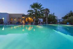 Arokaria Dreams Apartments || Located in the lively Naousa of Paros, Arokaria Dreams Apartments features a pool, a poolside bar-restaurant and a blossomed garden.