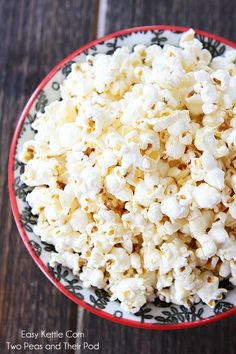 Easy Kettle Corn Recipe on http://twopeasandtheirpod.com Perfect for movie night or snack time!