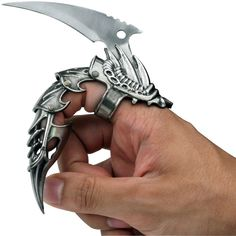 Iron Reaver Finger Claw | DudeIWantThat.com