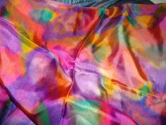 Este lenço 90x90 cm, mesmo estilo mas numa seda ponjé Nº 5