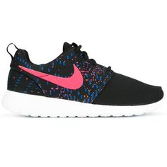 Nike 'Roshe One' printed sneakers (385 RON) ❤ liked on Polyvore featuring shoes, sneakers, black, nike footwear, black sneakers, print sneakers, lace up shoes and nike trainers