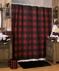 Different color flannel for sure HOME DECOR – RUSTIC STYLE – life here is so beautiful with a buffalo plaid bathroom. Cabin Bathrooms, Rustic Bathrooms, Cabin Bathroom Decor, Dream Bathrooms, Bathroom Ideas, Cabin Homes, Log Homes, Interior Exterior, Home Interior