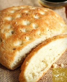 Copycat Macaroni Grill Rosemary Bread | Love this bread! it would go great with a plate of pasta or just with some olive oil and Parmesan cheese!