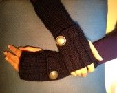 guanti in lana blu con bottone tono argento brunito : Mezziguanti, guanti di vanna-bijoux
