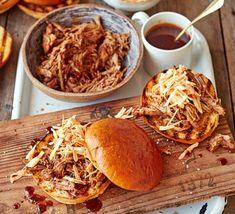 Perfect Pulled Pork, Bbq Pulled Pork Recipe, Easy Pulled Pork, Slow Cooked Pulled Pork, Pulled Pork Sliders, Shredded Pork, 21 Day Fix, Bbc Good Food Recipes, Dinner Recipes