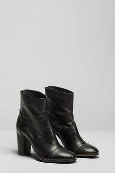 Stivali in pelle nera -  Pomme d'or  Black boots - Pomme d'or