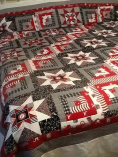 61 Ideas For Sport Football Roll Tide Football Quilt, Sport Football, Alabama Football, Clemson, Alabama Crimson, Crimson Tide, Alabama Quilt, Quilting Projects, Sewing Projects