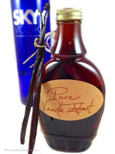DIY Pure Vanilla Extract lends deep, authentic flavor to cakes, cookies, candy, ice cream & a hundred other treats. 2 ingredients. 5 minutes. Great gift!