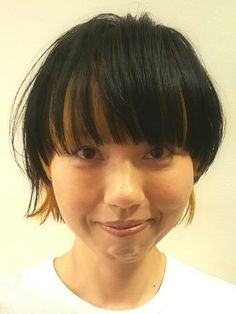 Short Pixie, Pixie Cut, Colored Bobs, Beauty Expo, Bleach Color, Schwarzkopf Professional, Bob Hairstyles, Dyed Hair, Asian Beauty