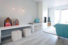 Een romantische woonkamer ontwerpen door Interieur design by nicole & fleur. Interieur advies nodig? We helpen je graag met de make-over van jouw woonkamer.