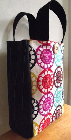 Viewmaster General OILCLOTH Lined Lunch Tote