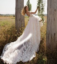 Be the flower nature desires be the garden in your life blossom to beauty and be a #GALA No. II bride. #GLbecomeflowers #GLtrunkshow @lwdbridal at Denver Sept. 30 - Oct. 2