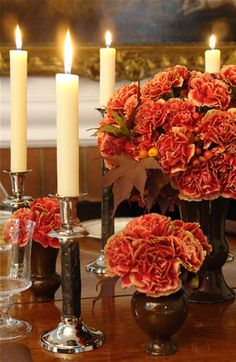 Carnations can be sophisticated - Carolyne Roehm ( I agree. Maybe they'll make a come back)