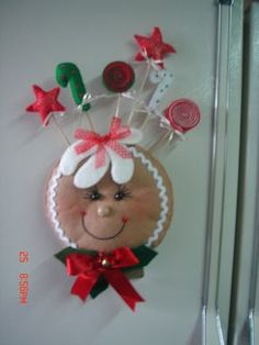 Gingerbread Crafts, Christmas Gingerbread Men, Yule Crafts, Dyi Crafts, Fabric Christmas Ornaments, Christmas Decorations, Christmas Projects, Christmas Holidays, Homemade Christmas