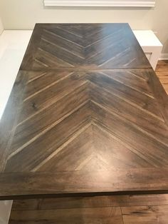 Wood Table Tops, Wood Table Design, Diy Table Top, Farmhouse Dining Room Table, Diy Dining Table, Patio Table, A Table, Chesapeake House, Refurbished Table