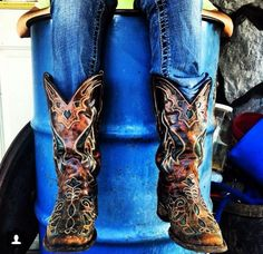 Gotta LOVE this!! #cowboyboots #countrygirl #country For more Cute n' Country visit: www.cutencountry.com and www.facebook.com/cuteandcountry
