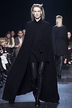 Ann Demeulemeester Fall 2001 Ready-to-Wear Collection Photos - Vogue