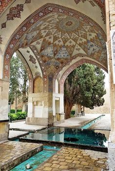 FIN GARDEN (BAGH-E FIN) The oldest standing Persian garden in all of Iran, Bagh-e Fin is a lush botanical oasis surrounded by Kashan's harsh desert landscape is filled with a plethora of fruit trees… Art Et Architecture, Persian Architecture, Beautiful Architecture, Beautiful Buildings, Beautiful Places, Mamounia Marrakech, Persian Garden, Iran Travel, Moorish
