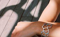 Raphaëlle Coëffard, un hommage sensible à Rudy Ricciotti avec A Day In  A Day In, la rencontre entre l'architecture et l'univers des bijoux...  #LeFashionPost #Webzine #Interview #bijoux #lifestyle #Marseille