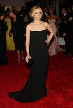 Sarah Michelle Gellar Photos: The Metropolitan Museum Of Art Costume Institute Annual Gala - Arrivals