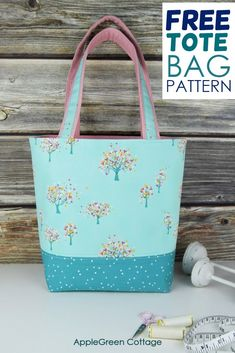 Easy Sewing Patterns, Bag Patterns To Sew, Tote Pattern, Easy Tote Bag Pattern Free, Sewing Ideas, Sewing Projects, Quilted Tote Bags, Diy Tote Bag, Diy Pouch No Zipper