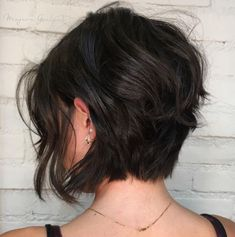 Short Layered Messy Bob short haircut 60 Best Short Bob Haircuts and Hairstyles for Women Very Short Bob Hairstyles, Bob Style Haircuts, Hairstyles Haircuts, Layered Hairstyles, Haircut Short, Pixie Haircuts, Messy Bob Haircuts, Short Asymmetrical Haircut, Tomboy Hairstyles