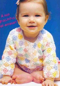 Adorable gilet pour bébé de 3 à 6 mois , aux manches longues , aux petits carrés colorés et pastels , avec sa grille gratuite .