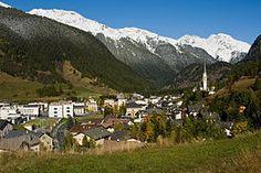 Zernez village