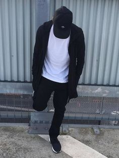 Post with 0 votes and 9963 views. Swag Boys, All Black Looks, Photography Poses For Men, Selfie Poses, Stylish Boys, Cute Boys, Types Of Fashion Styles, Street Wear, Men Casual