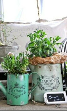French country decor -- definitely a fave! You can find this look at TJMaxx #Michaels etc. #garden #accents