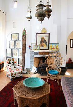 Oriental Interior ideas home accessories modern eclectic furniture fireplace arch typical pattern Marocan